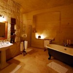 honeymoon_suite_-_bathroom