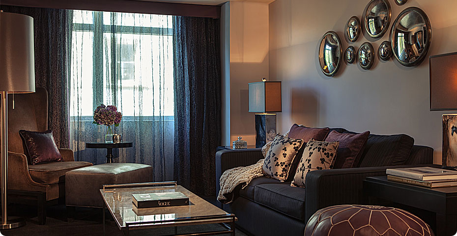Suite_501_Living_3074
