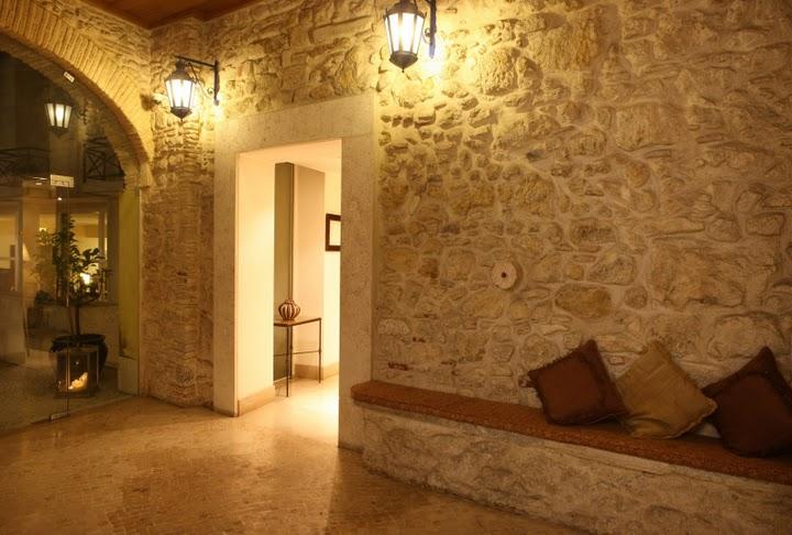 Hotel_Solar_Do_Castelo_Hall